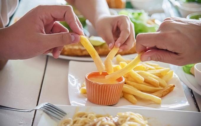 Ngưng sử dụng những thực phẩm gây hại cho dạ dày dưới đây nếu không muốn bị ung thư
