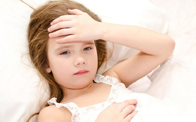 8 cách hạ sốt cho trẻ đơn giản, hiệu quả tại nhà