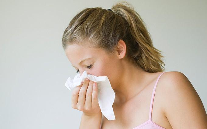 Khô mũi là gì? Vì sao mùa hanh khô thường bị khô mũi?