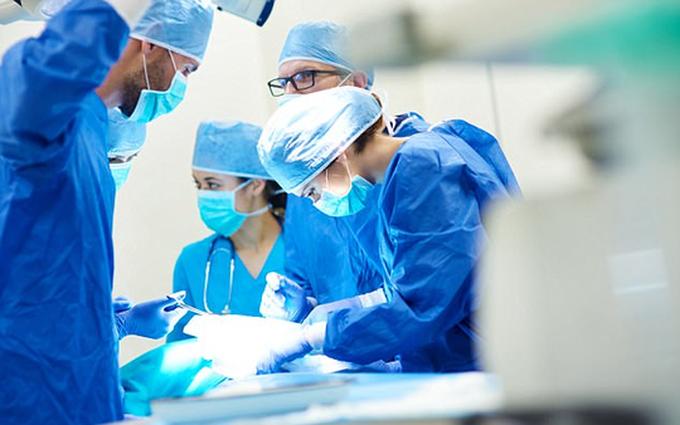 Ung thư buồng trứng giai đoạn di căn: Dấu hiệu, phương pháp điều trị và tiên lượng sống