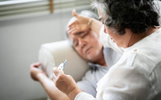 Những sai lầm khi điều trị viêm phổi ở người lớn tuổi