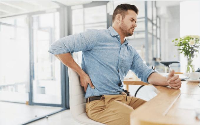 Làm việc đúng tư thế giúp loại bỏ nỗi lo thoát vị đĩa đệm thắt lưng cho dân văn phòng