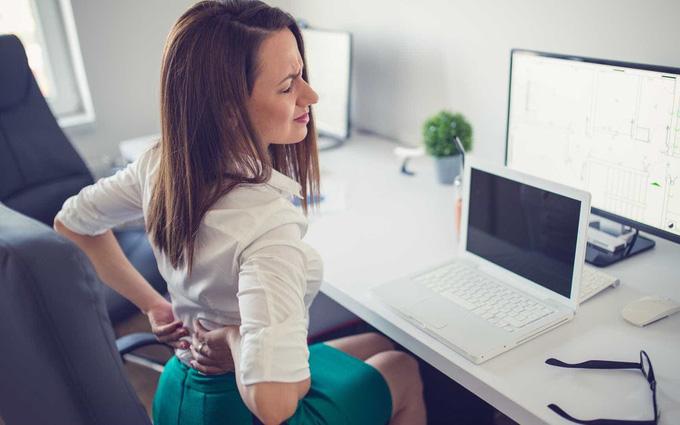 Những điều cần biết về đau lưng ở nhân viên văn phòng