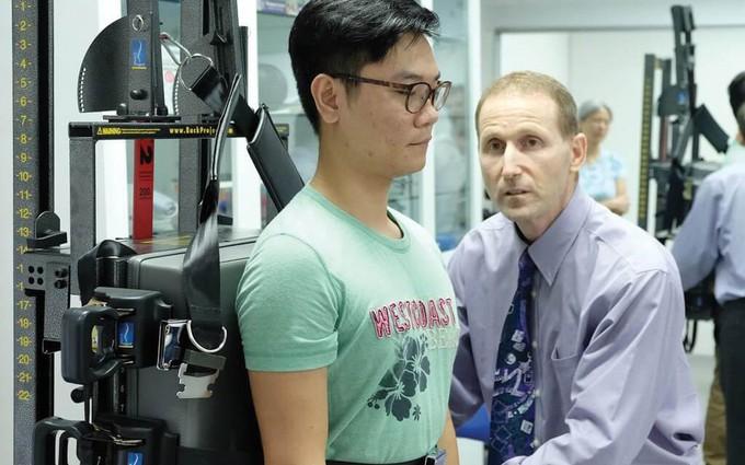 Tìm hiểu về công nghệ ATM2 giúp giảm đau, hỗ trợ chữa bệnh cong vẹo cột sống