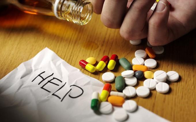 Tìm hiểu về các loại thuốc giảm đau cong vẹo cột sống