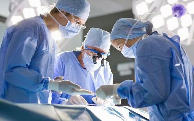 Phẫu thuật ung thư thực quản có thể gặp tác dụng phụ gì?